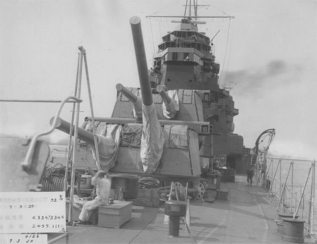 IJN Takao forward main turrets