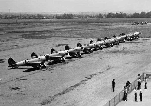 Northrop_BT-1s_of_VB-5_lined_up