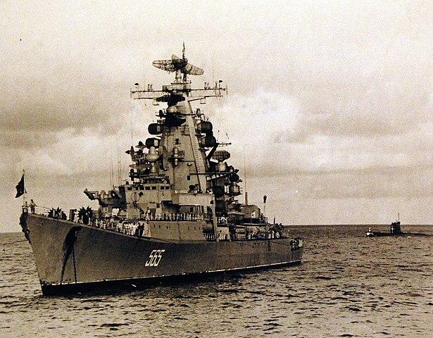 Vladivostok in hawaiian waters, with the Foxtrot class submarine