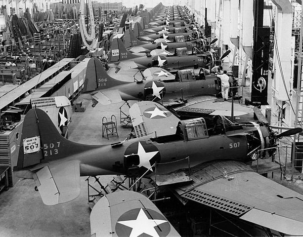 Production of the SBD-5 in Oklahoma Douglas plant, 1943