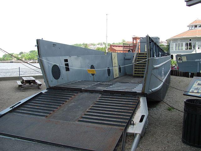 Higgins_LCM-3_at_Battleship_Cove_Fall_River_MA
