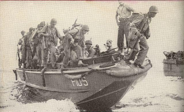 Reinforcements_land_on_Guadalcanal-LCPL