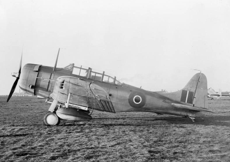 One of the few Dauntless Mk.I experimented by the RNAS and RAF in 1942