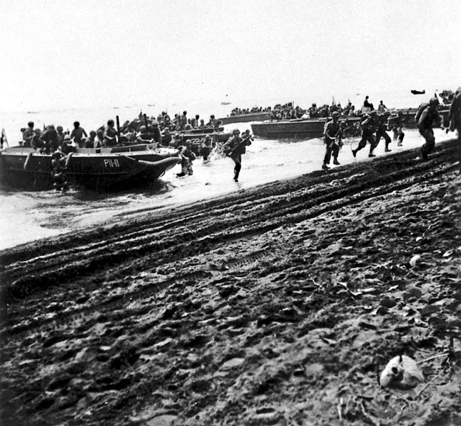U.S. Marines lands from LCP(L)s onto Guadalcanal