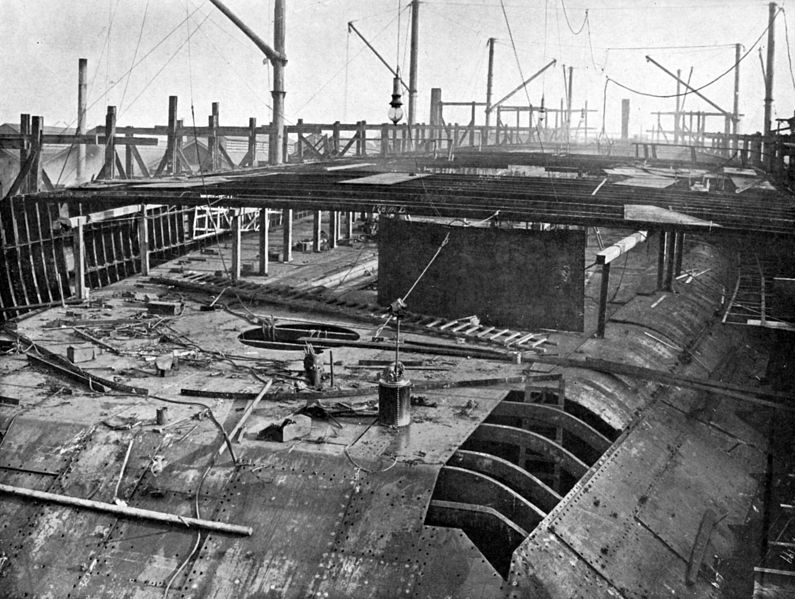 HMS_Dreadnought_1906_36_days_after_keel_laid
