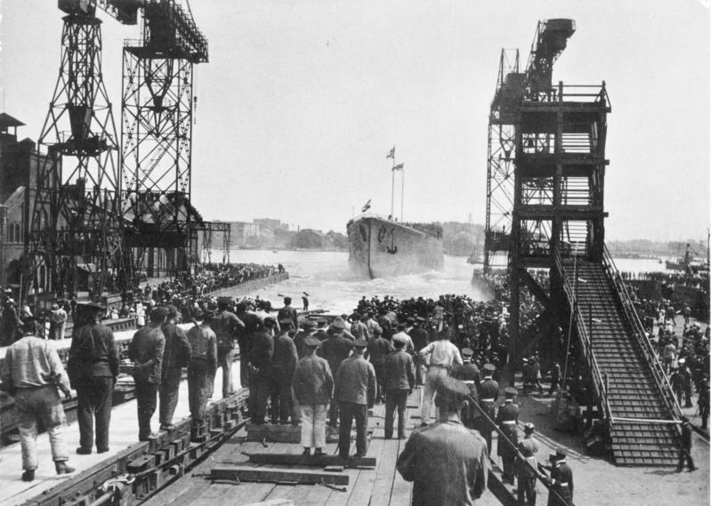 Bundesarchiv_Hindenburg_launched