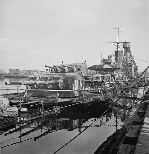 Köln sunk in Wilhelmshaven march 1945